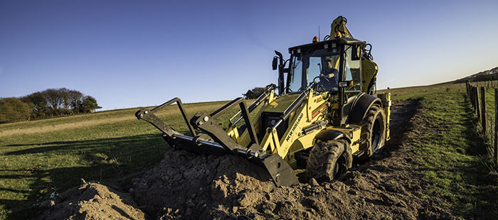 backhoe-loaders-right-for-your-needs-01